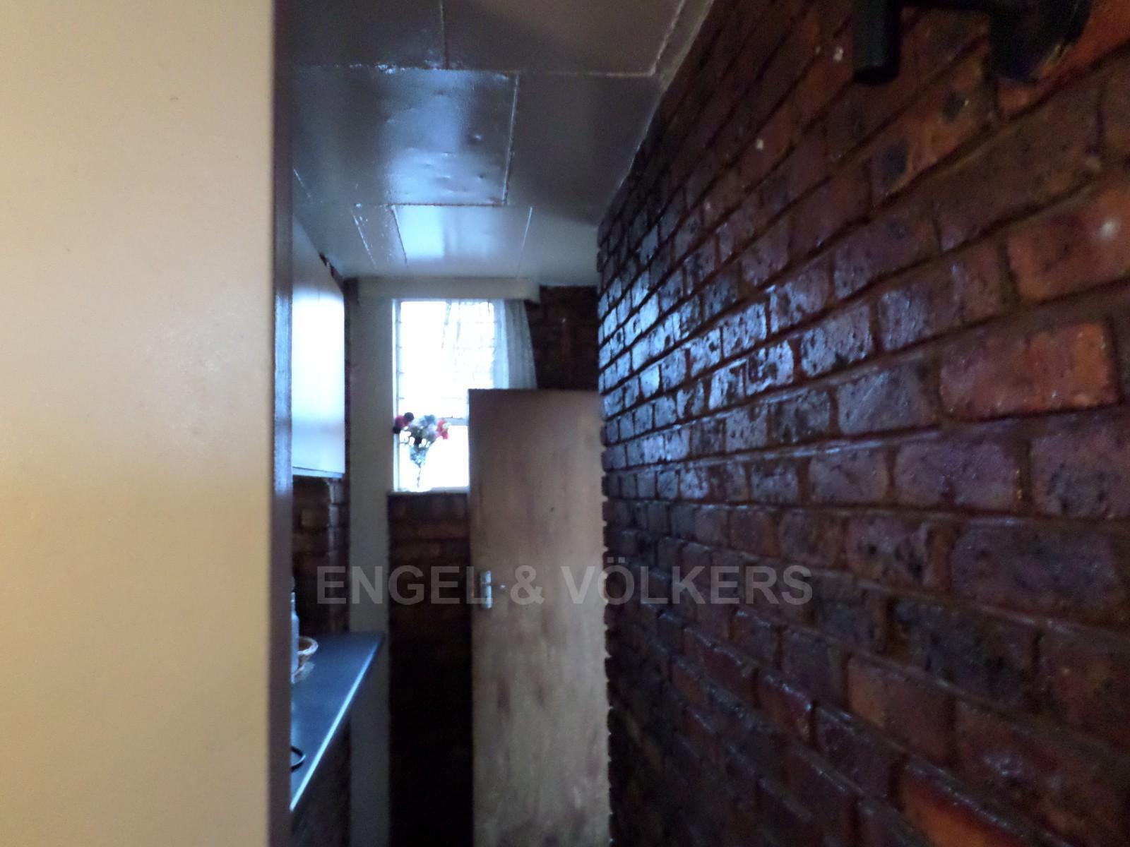 Pretoria property for sale. Ref No: 12792613. Picture no 2