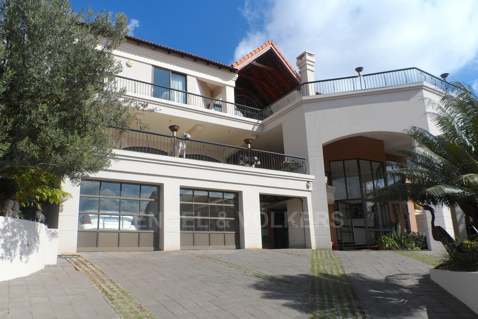 Waterkloof Ridge property for sale. Ref No: 13230281. Picture no 1
