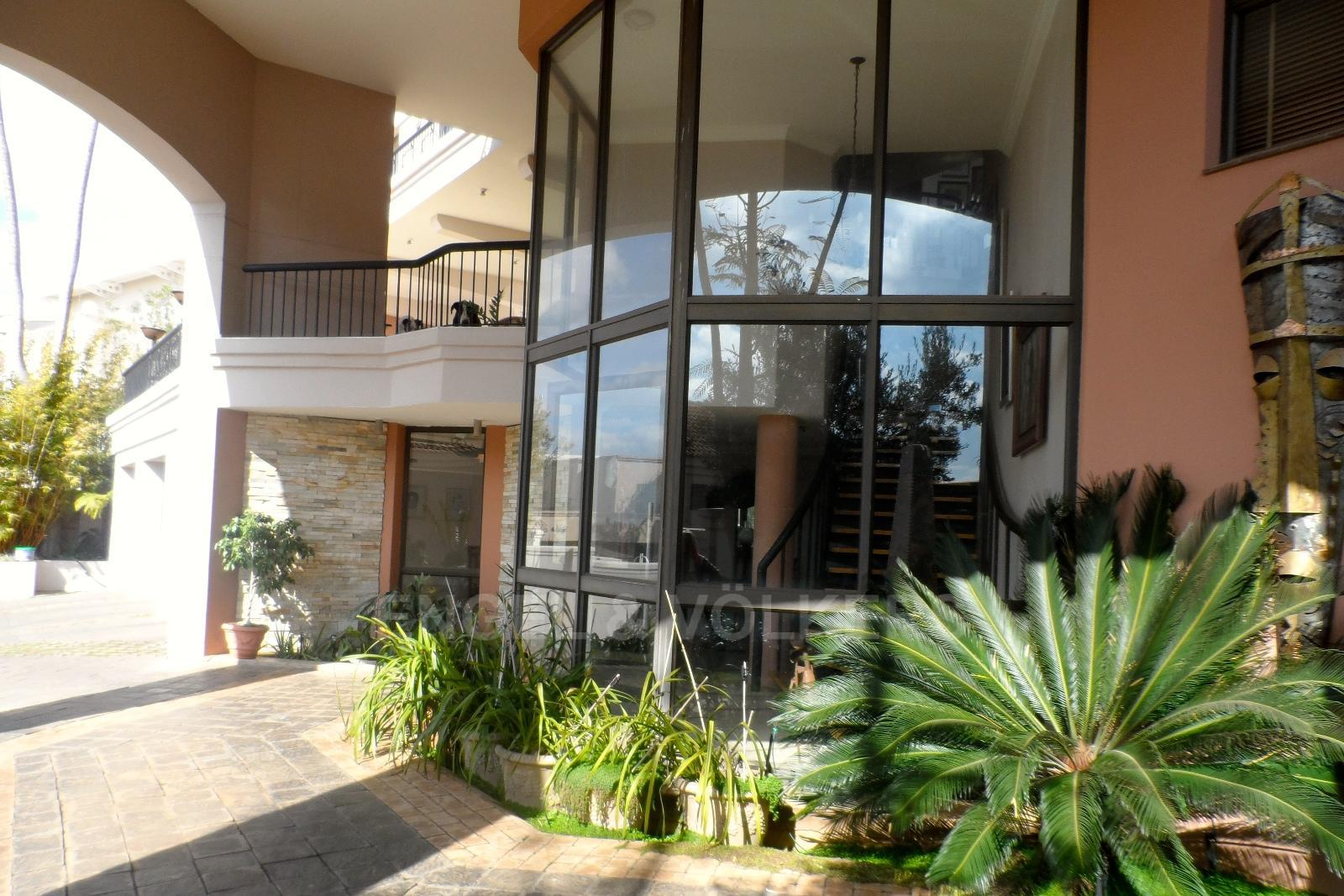 Waterkloof Ridge property for sale. Ref No: 13230281. Picture no 2