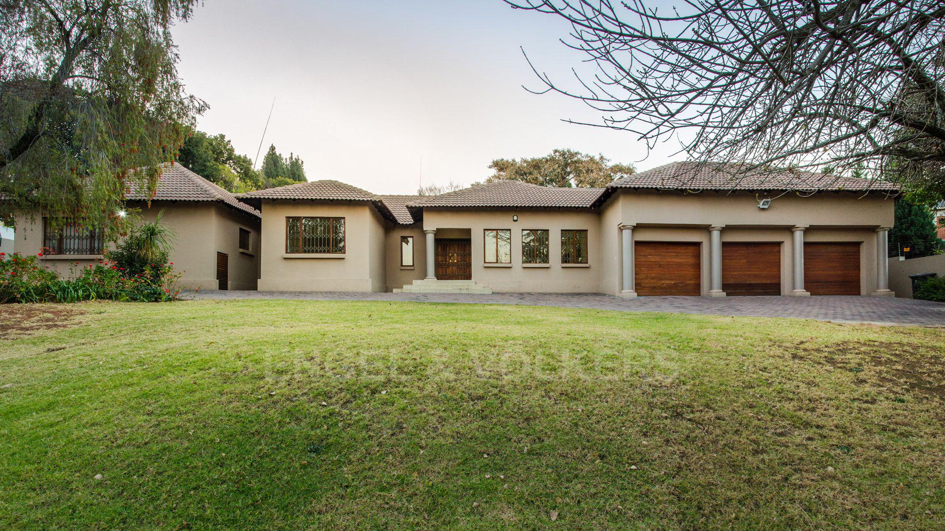 Waterkloof Ridge property for sale. Ref No: 2949420. Picture no 1
