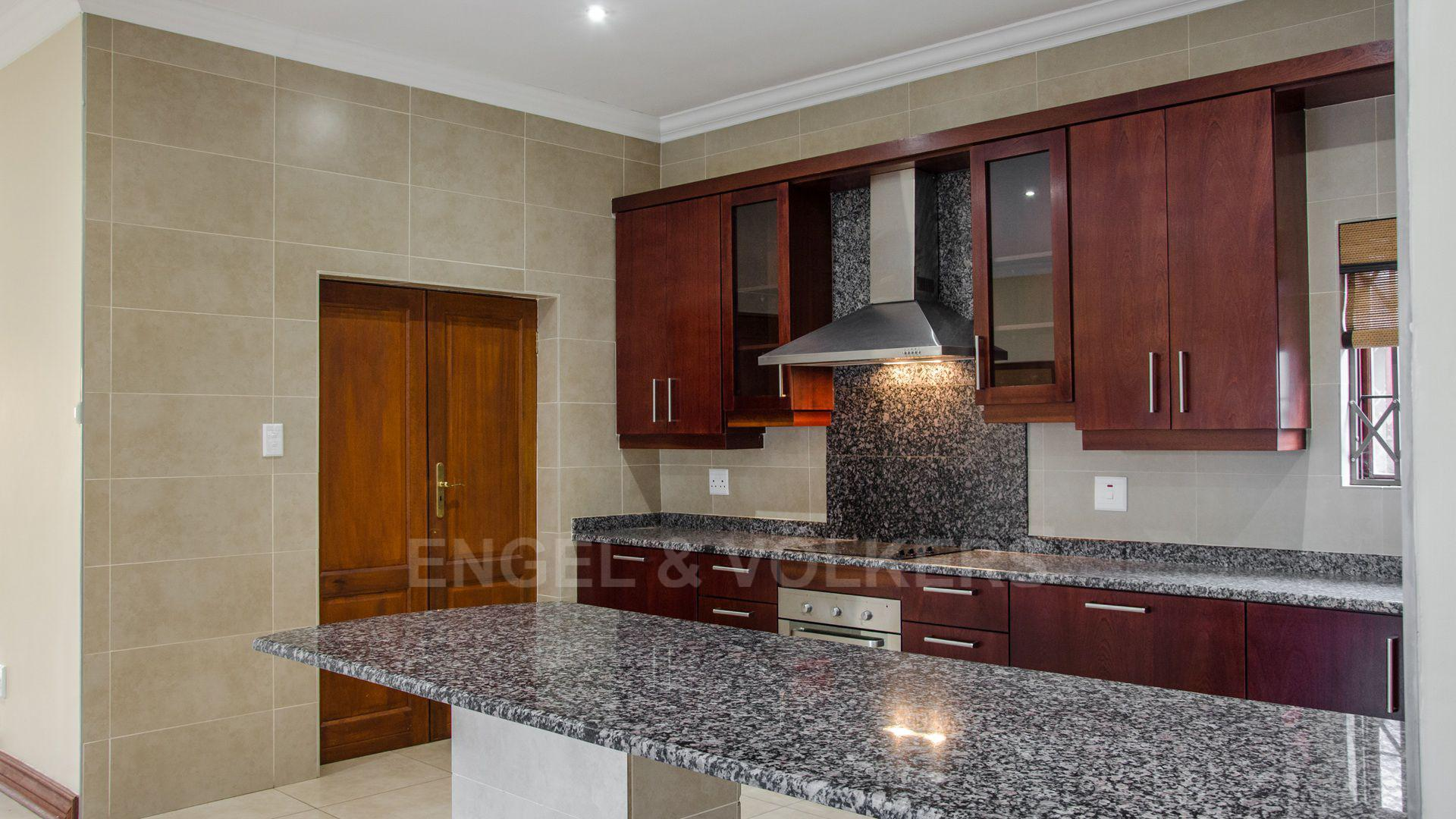 Waterkloof Ridge property for sale. Ref No: 2949420. Picture no 29