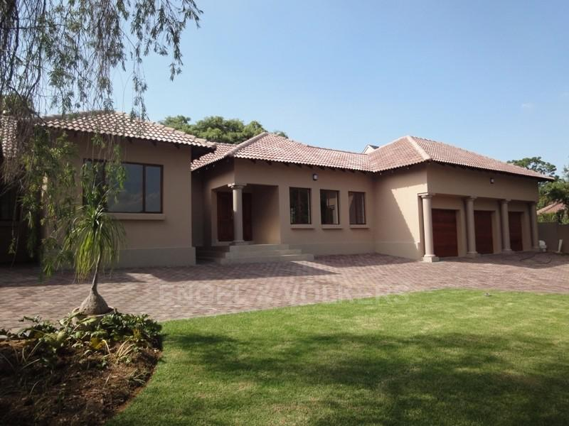 Waterkloof Ridge property for sale. Ref No: 2949420. Picture no 33