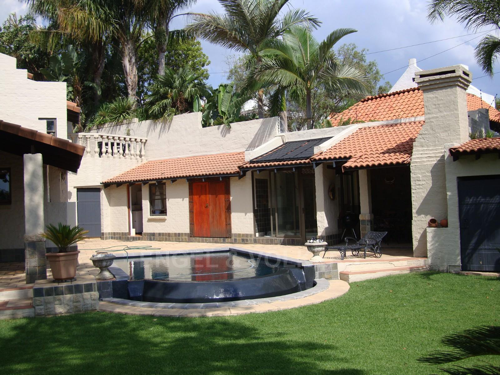 Waterkloof Heights property for sale. Ref No: 13318822. Picture no 4