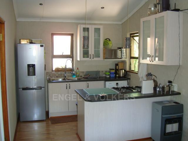 Waterkloof Heights property for sale. Ref No: 13318822. Picture no 19