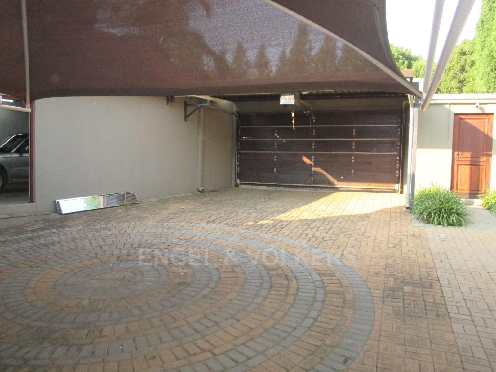 Waterkloof Ridge property to rent. Ref No: 13325445. Picture no 8