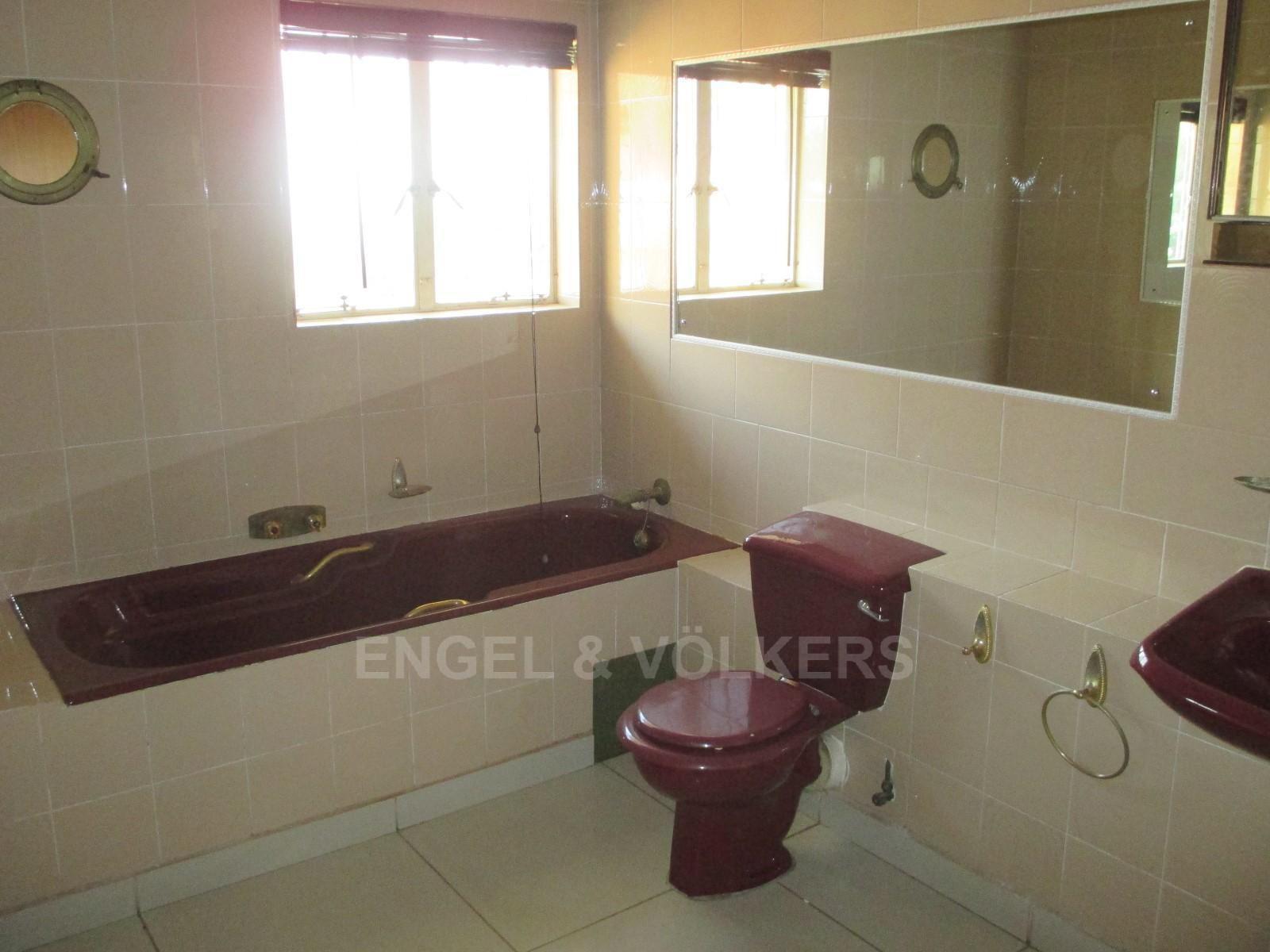 Waterkloof Ridge property to rent. Ref No: 13325445. Picture no 17