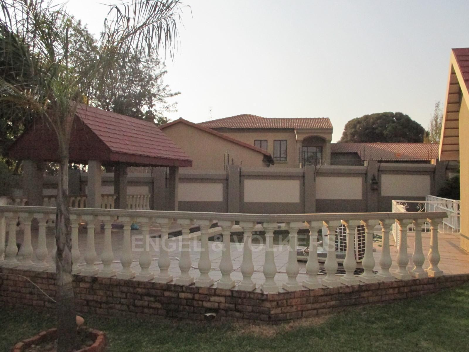 Waterkloof Ridge property to rent. Ref No: 13325445. Picture no 2