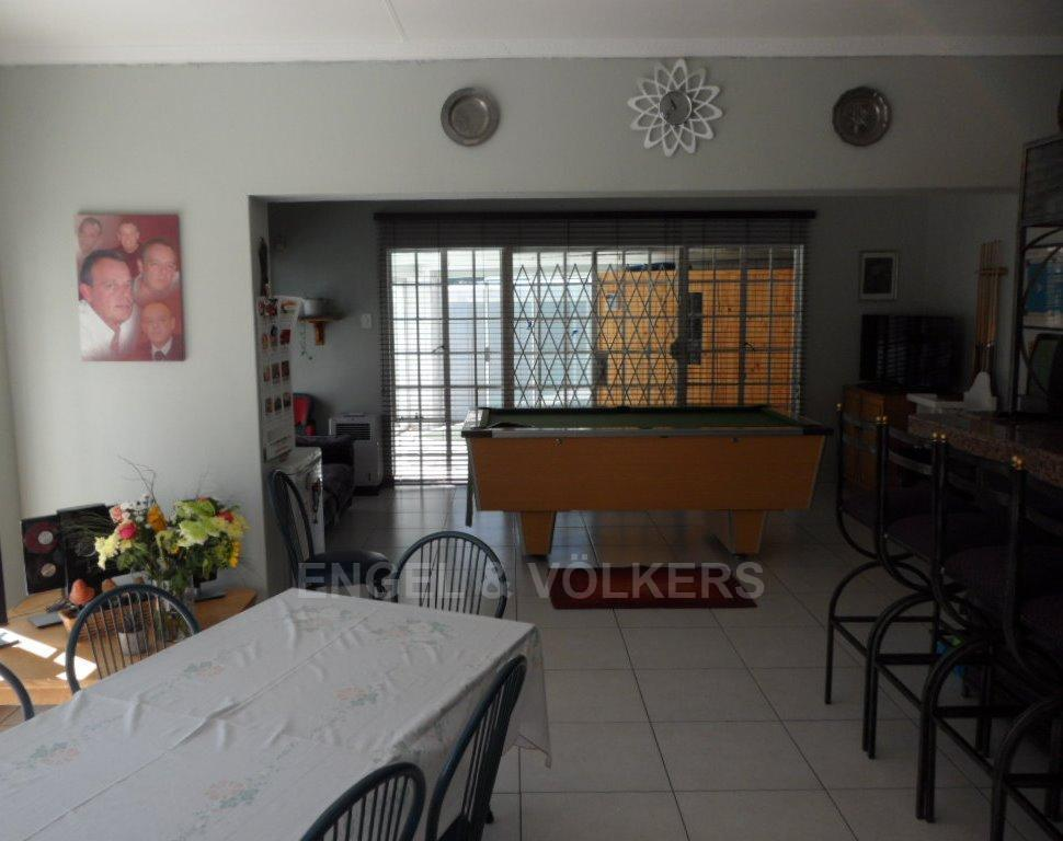 Waterkloof Heights property for sale. Ref No: 13388856. Picture no 4