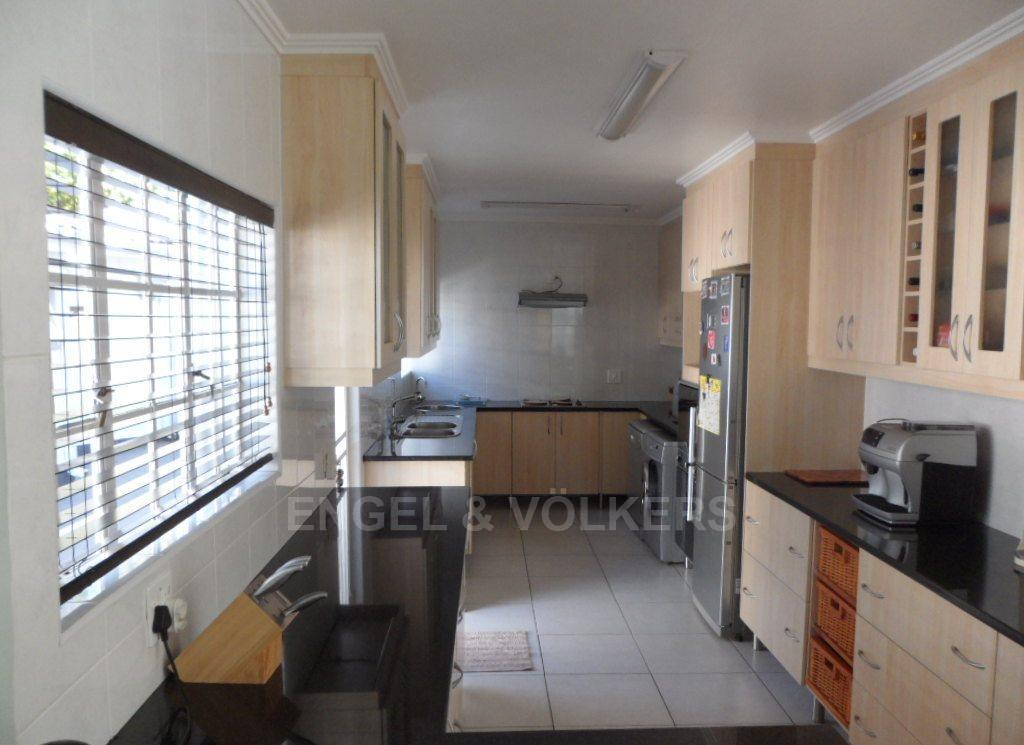 Waterkloof Heights property for sale. Ref No: 13388856. Picture no 8
