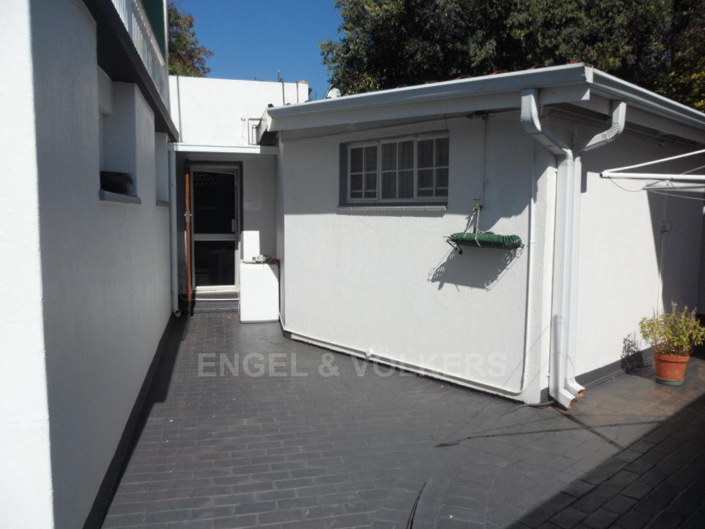 Waterkloof Heights property for sale. Ref No: 13388856. Picture no 27