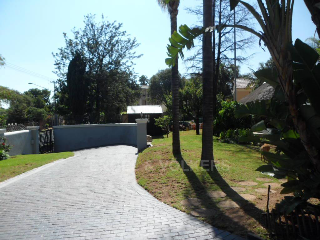 Waterkloof Heights property for sale. Ref No: 13388856. Picture no 30