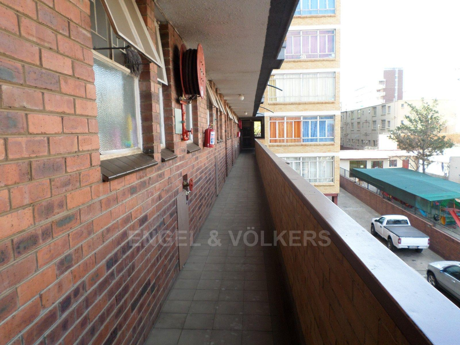 Sunnyside property for sale. Ref No: 13373643. Picture no 3