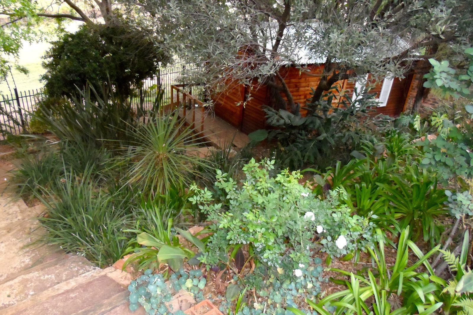 Waterkloof Ridge property for sale. Ref No: 13392870. Picture no 3
