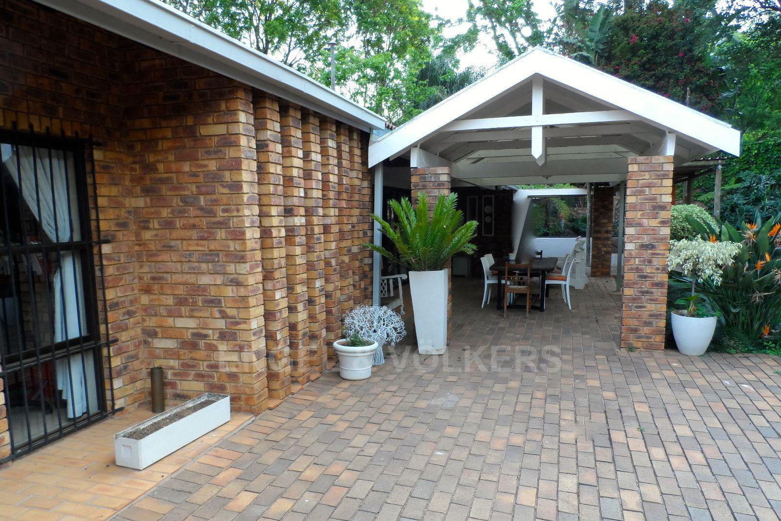 Waterkloof Ridge property for sale. Ref No: 13392870. Picture no 6