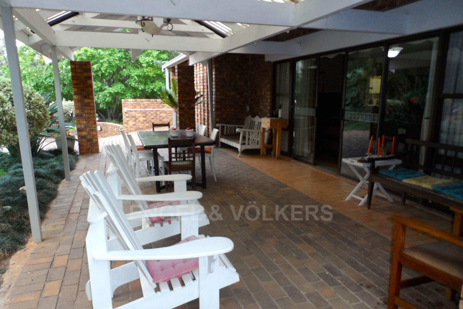 Waterkloof Ridge property for sale. Ref No: 13392870. Picture no 8