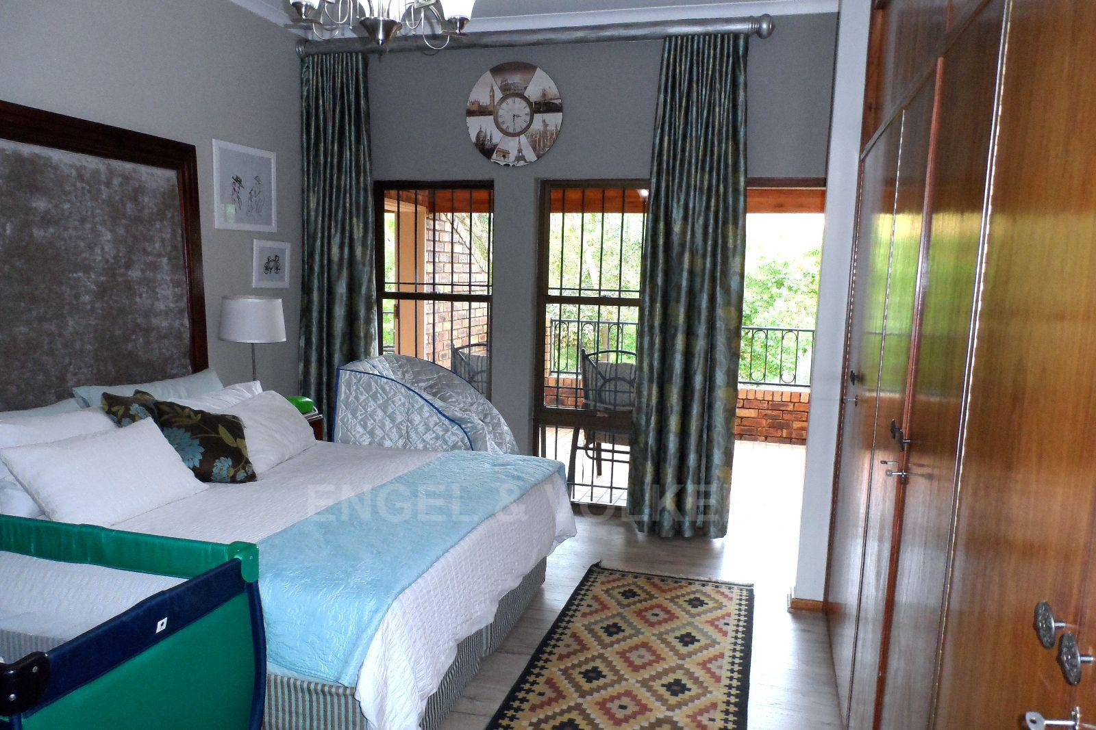 Waterkloof Ridge property for sale. Ref No: 13392870. Picture no 14