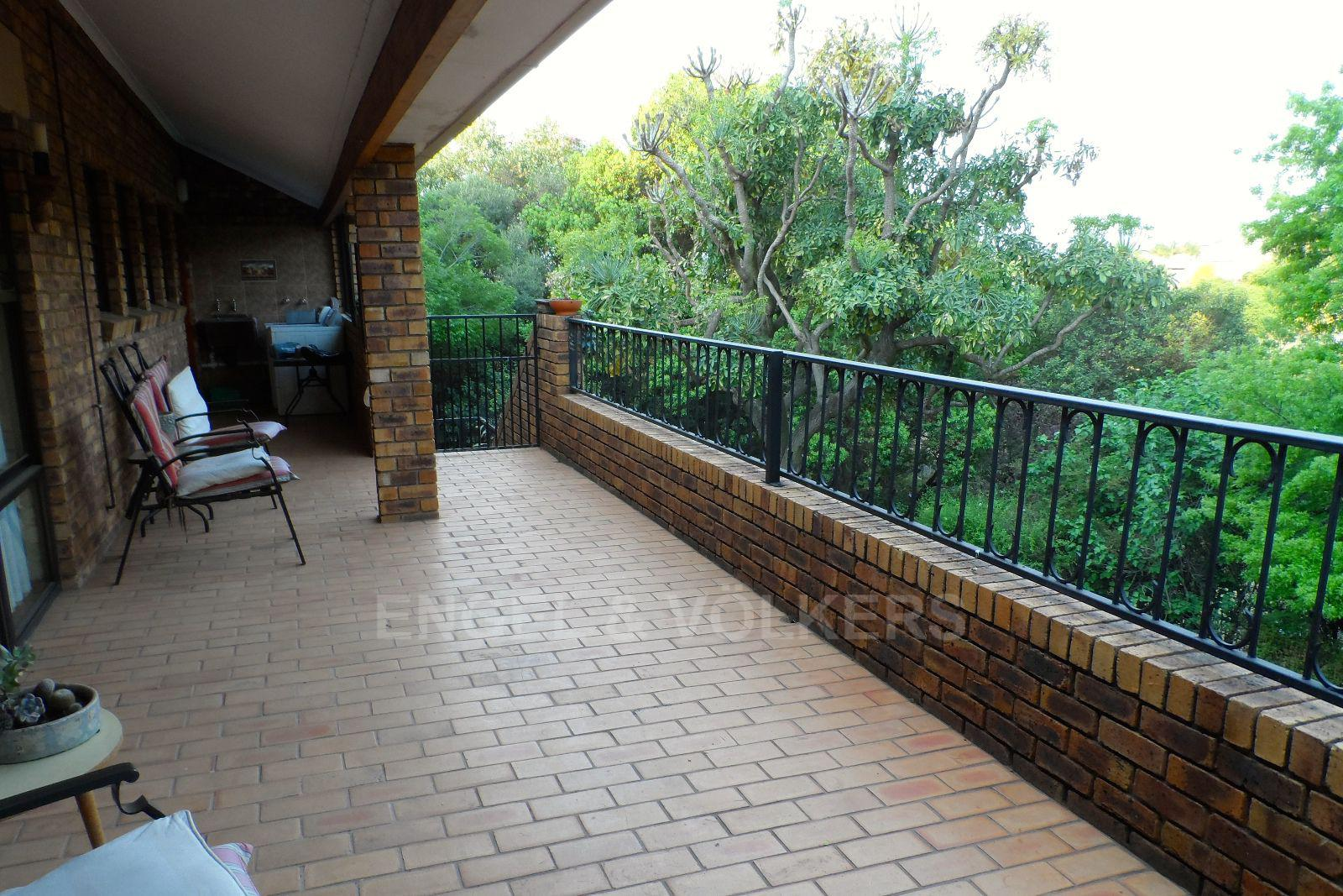 Waterkloof Ridge property for sale. Ref No: 13392870. Picture no 17