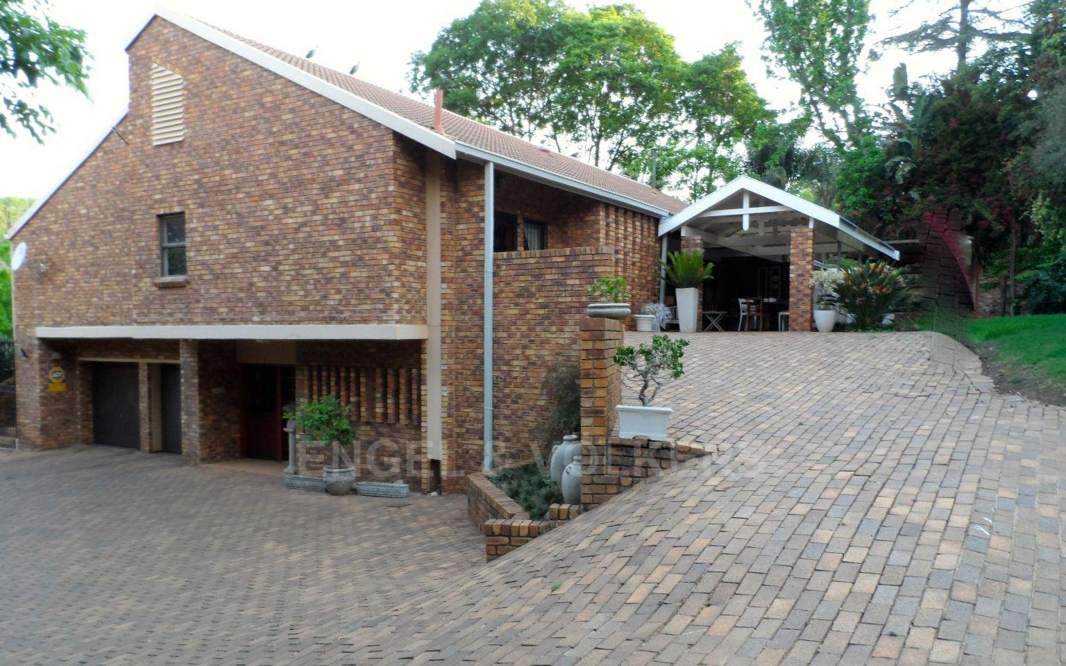 Waterkloof Ridge property for sale. Ref No: 13392870. Picture no 1