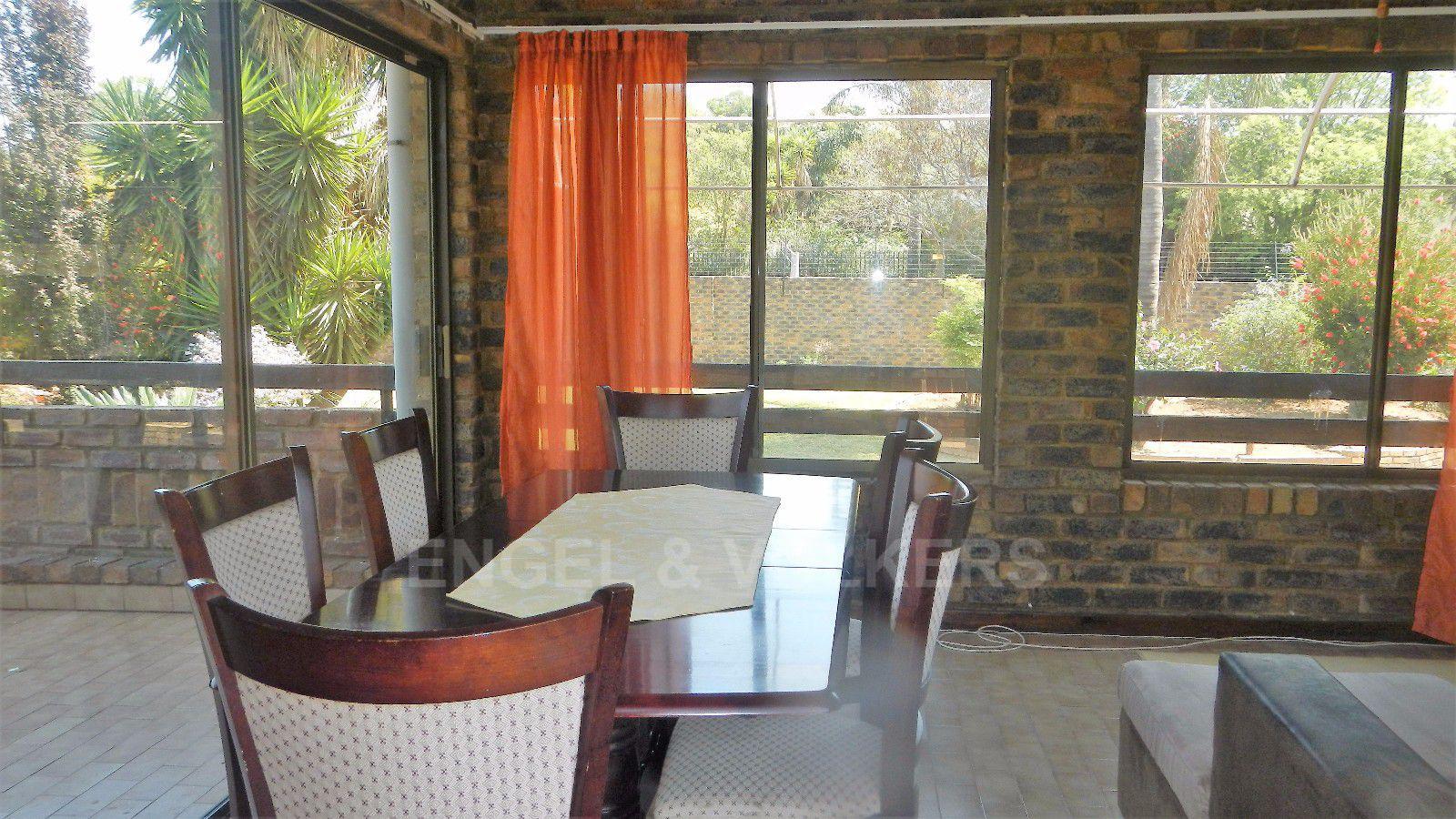Constantia Park property for sale. Ref No: 13393090. Picture no 4