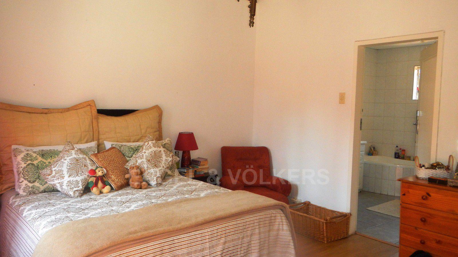 Constantia Park property for sale. Ref No: 13393090. Picture no 7