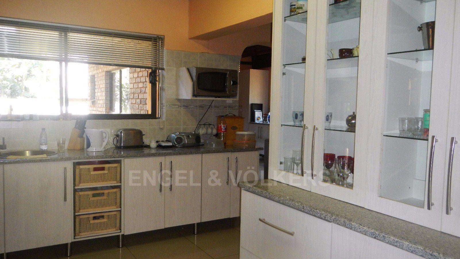 Constantia Park property for sale. Ref No: 13393090. Picture no 15