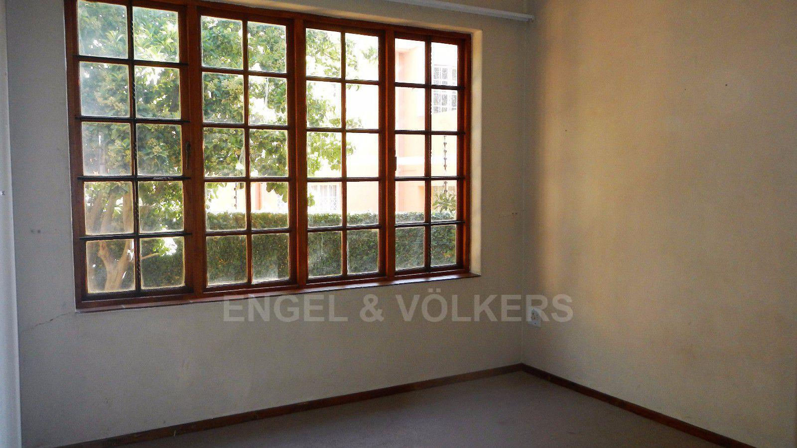 Erasmuskloof property for sale. Ref No: 13395340. Picture no 7