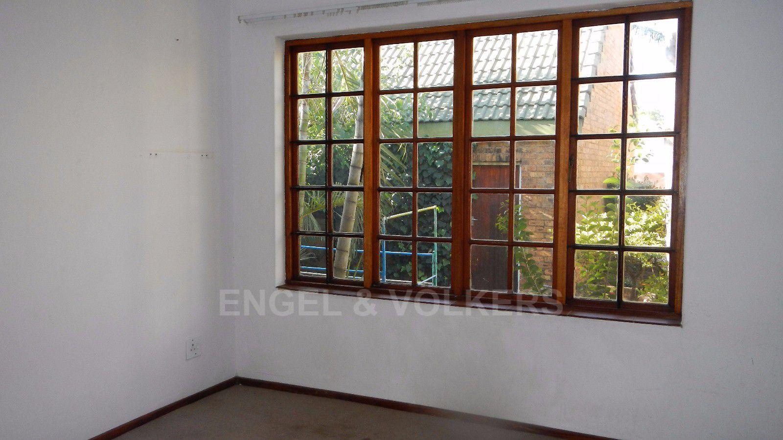Erasmuskloof property for sale. Ref No: 13395340. Picture no 8