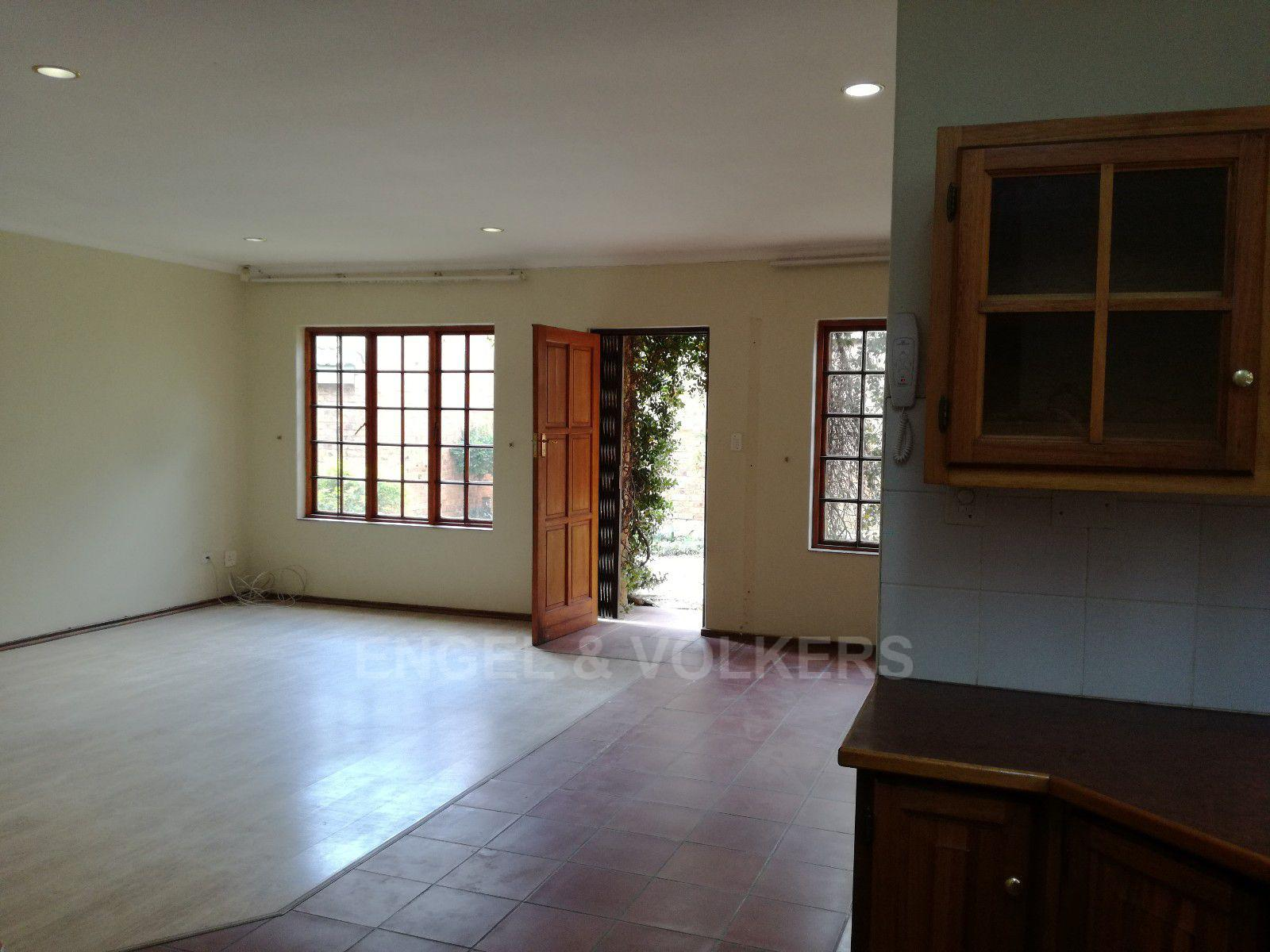 Erasmuskloof property for sale. Ref No: 13395340. Picture no 6