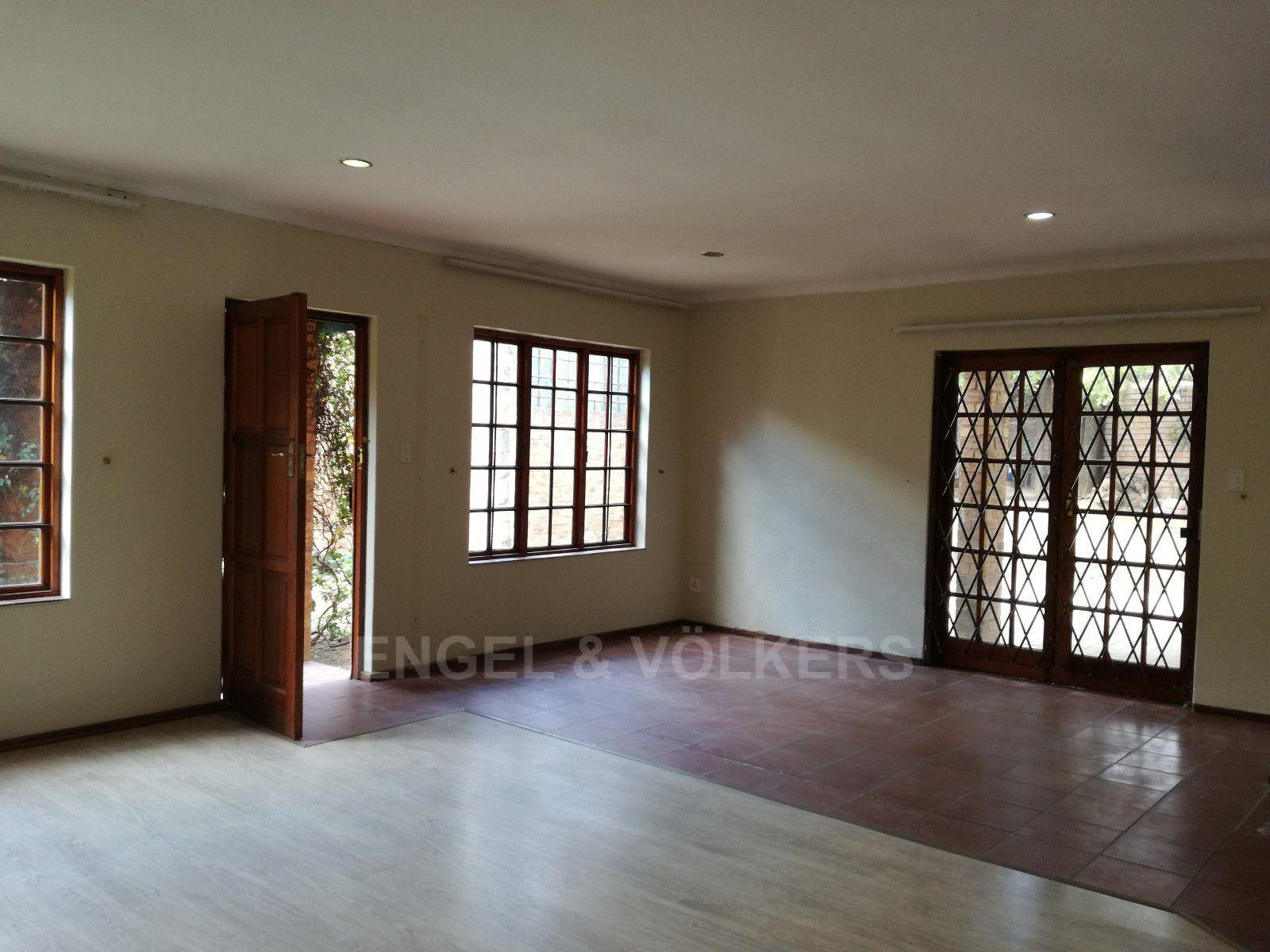 Erasmuskloof property for sale. Ref No: 13395340. Picture no 3