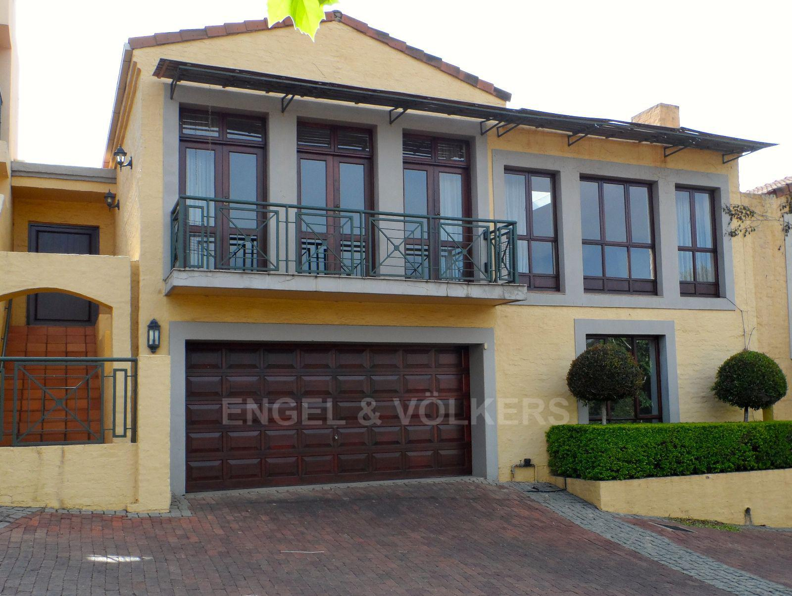 Waterkloof property for sale. Ref No: 13395532. Picture no 1