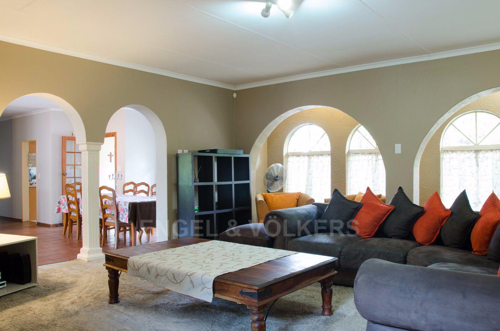Constantia Park property for sale. Ref No: 13401985. Picture no 5