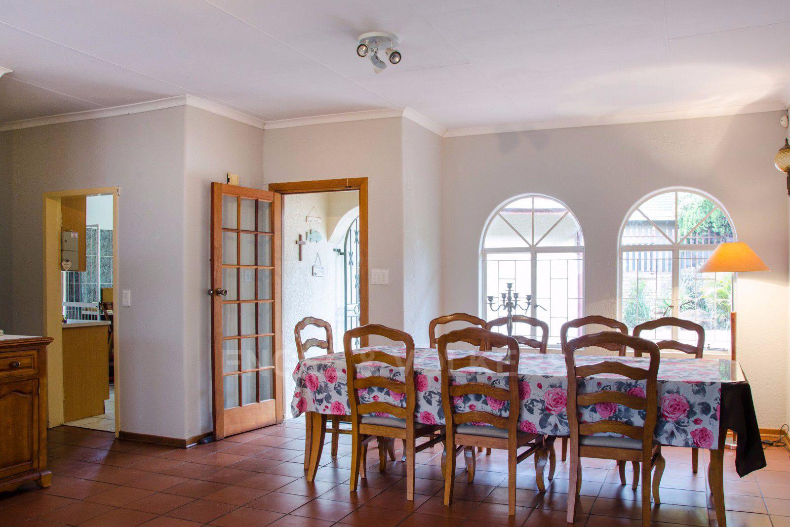 Constantia Park property for sale. Ref No: 13401985. Picture no 6