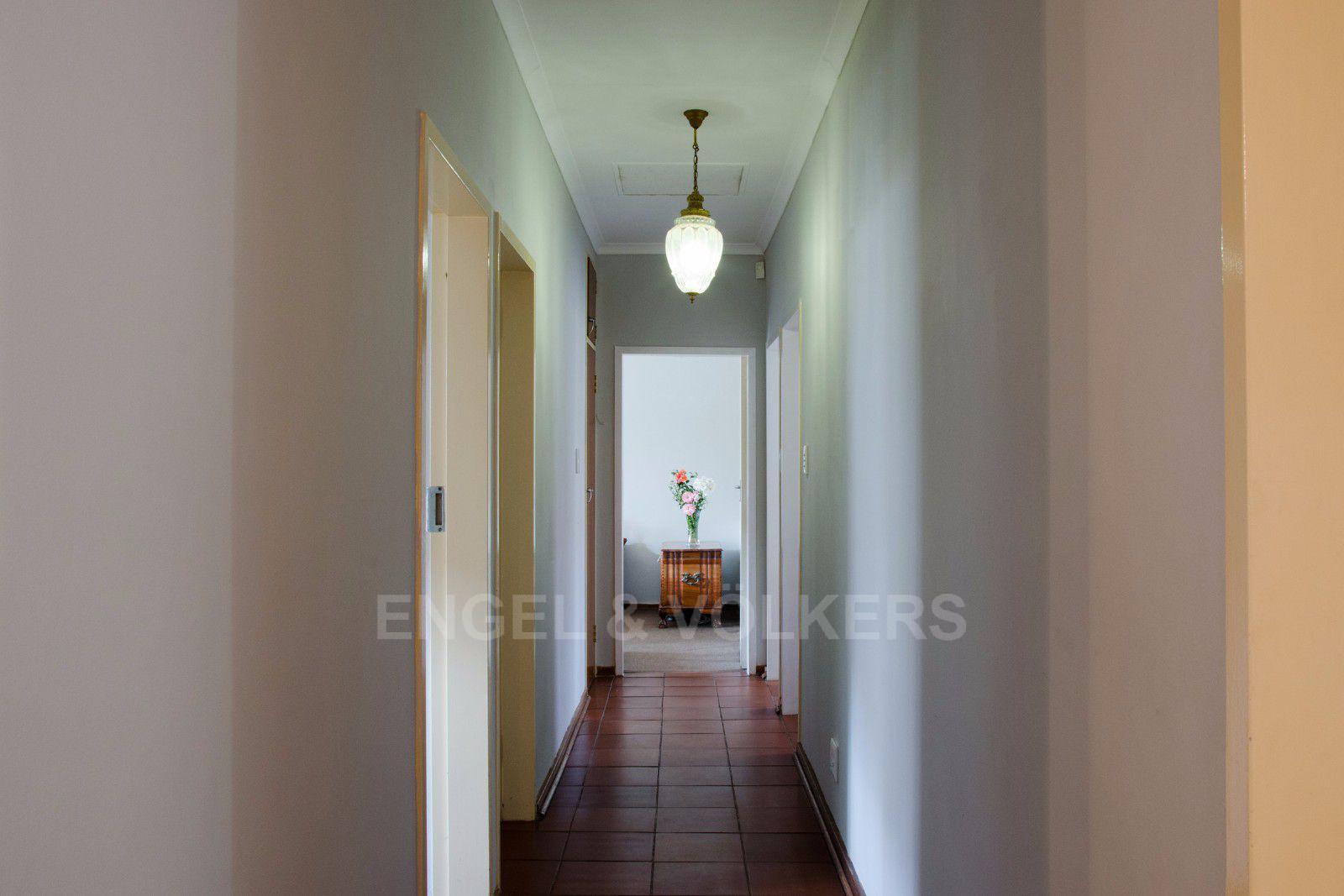 Constantia Park property for sale. Ref No: 13401985. Picture no 8