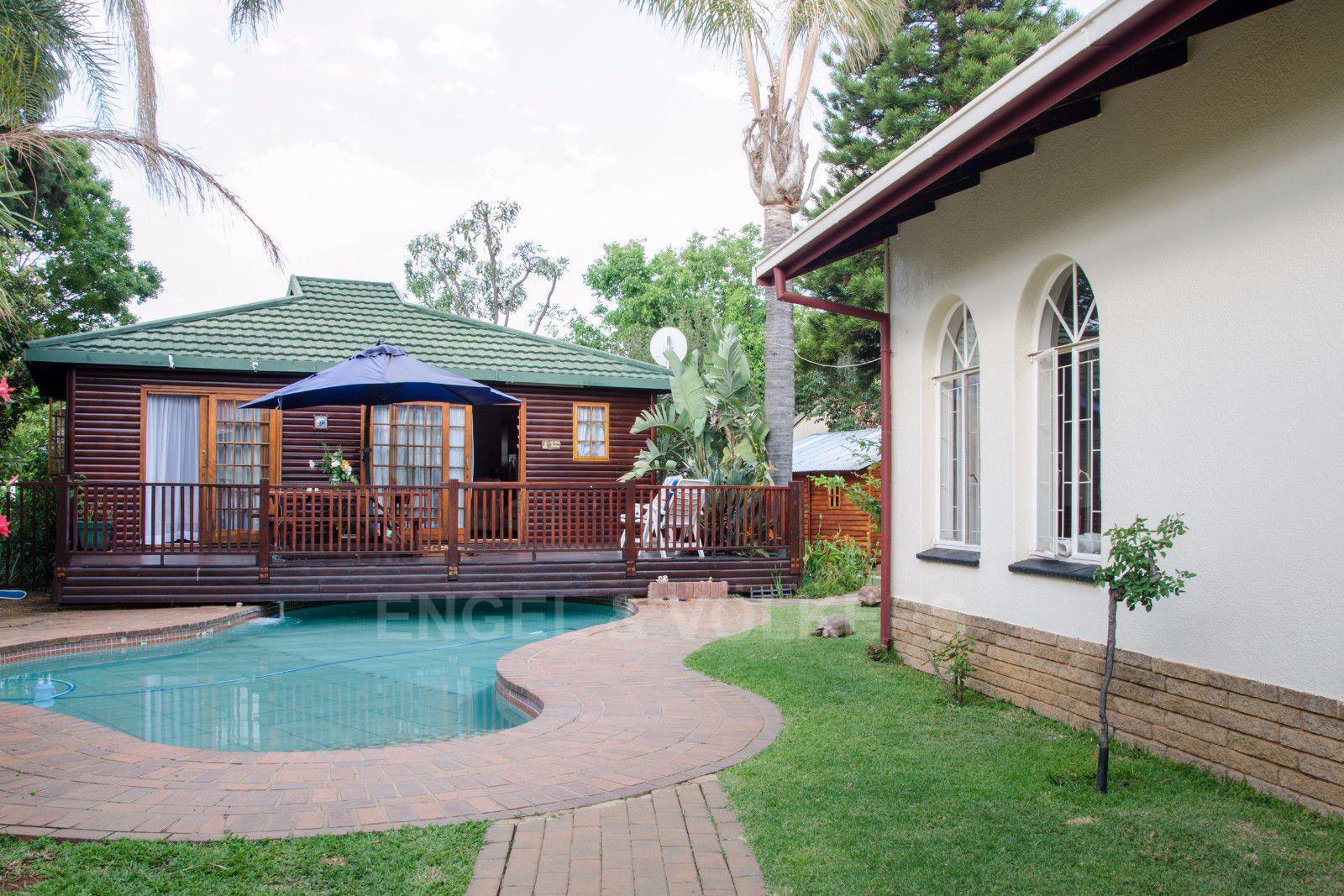 Constantia Park property for sale. Ref No: 13401985. Picture no 2