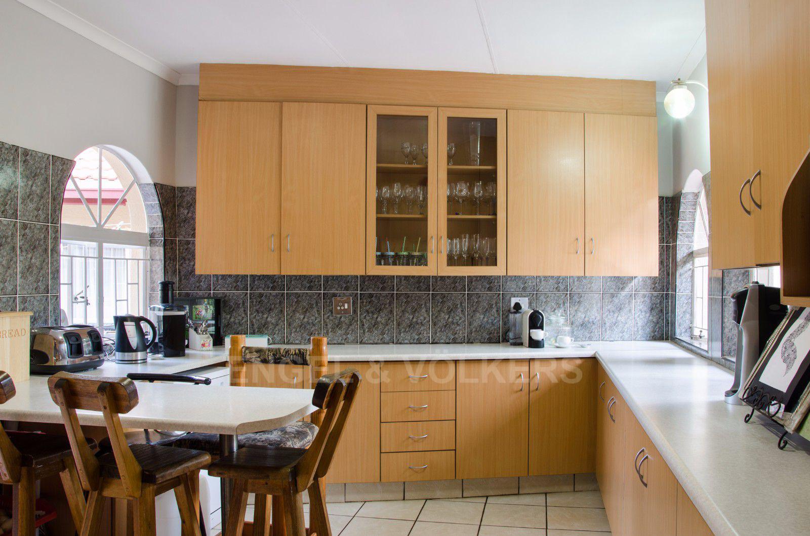 Constantia Park property for sale. Ref No: 13401985. Picture no 3