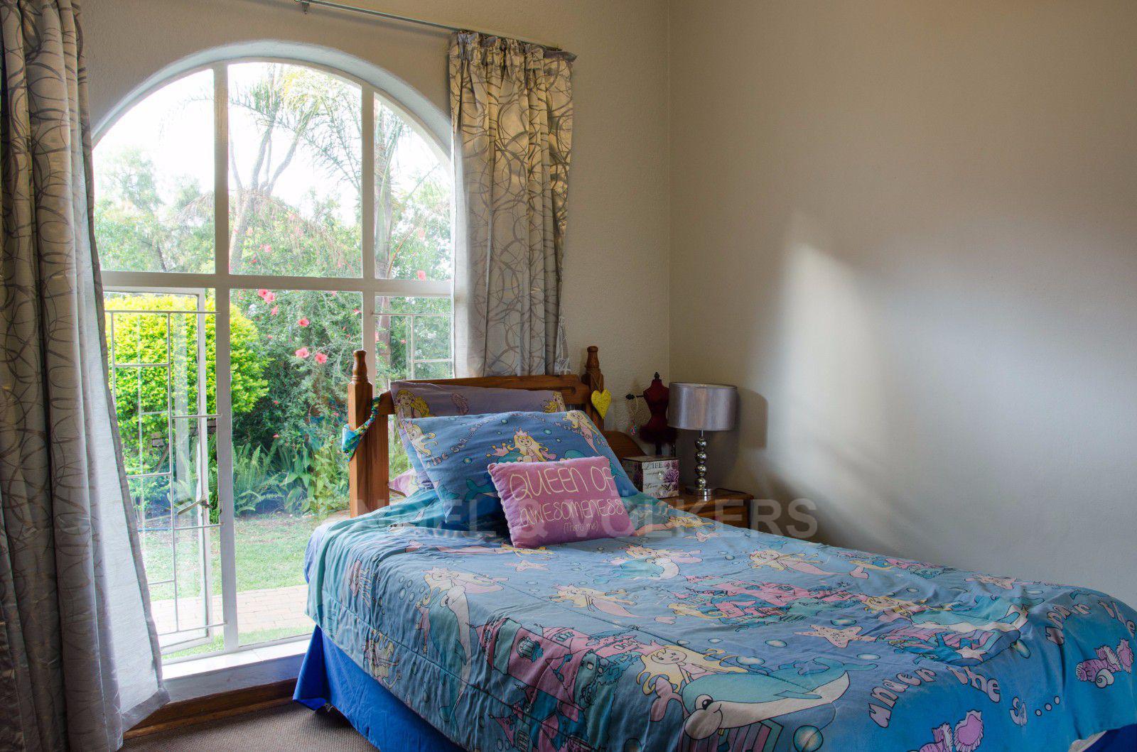 Constantia Park property for sale. Ref No: 13401985. Picture no 9