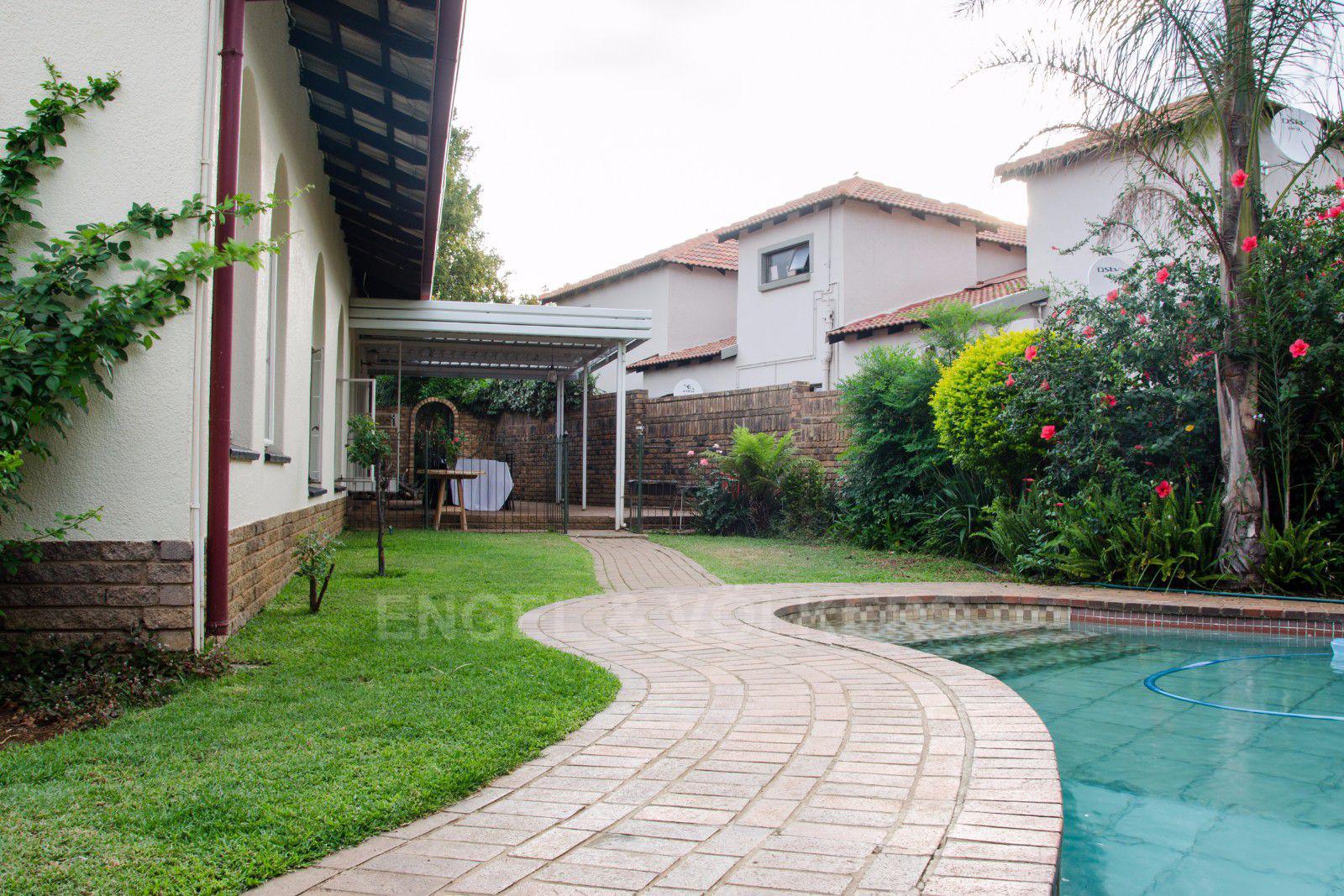 Constantia Park property for sale. Ref No: 13401985. Picture no 22