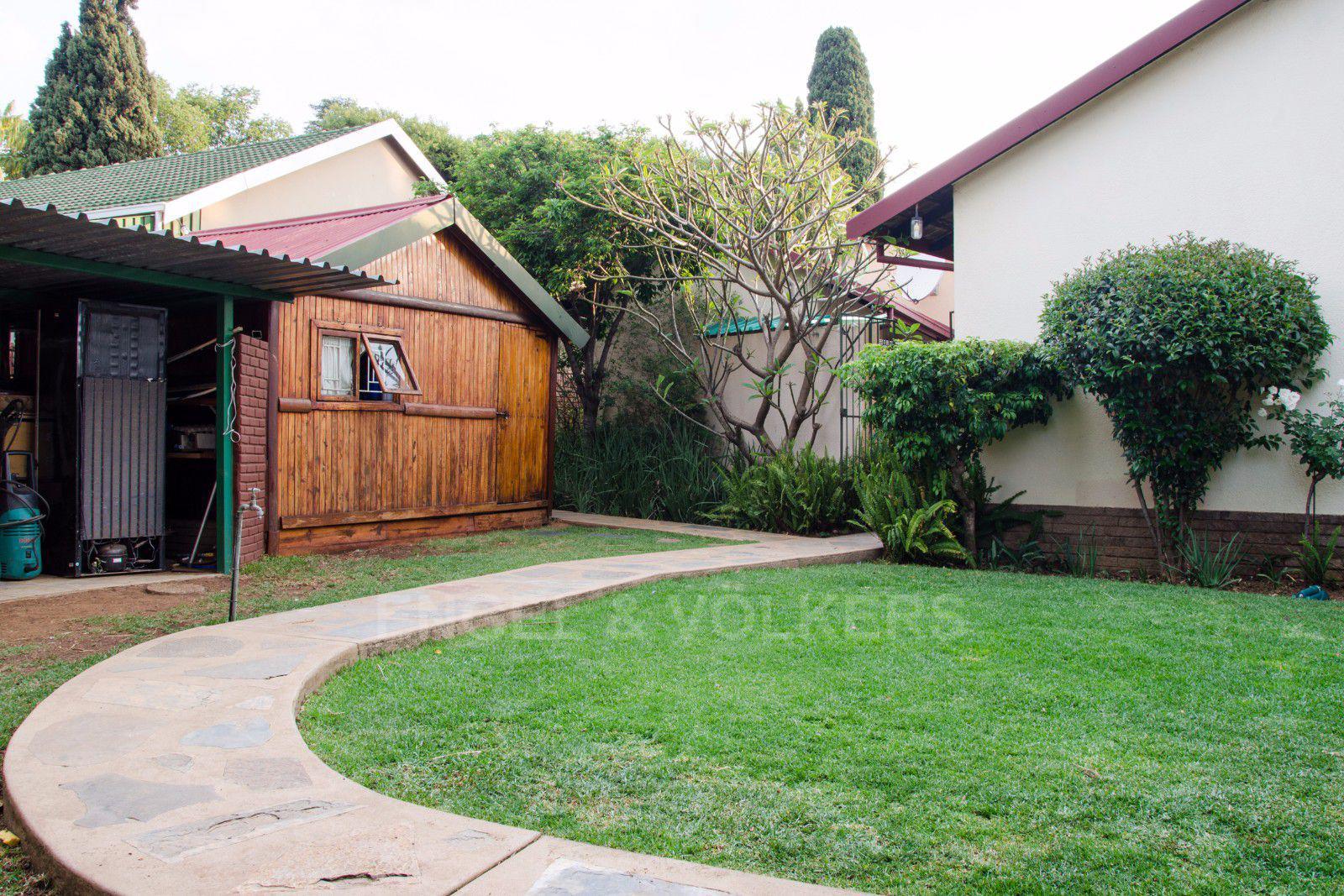 Constantia Park property for sale. Ref No: 13401985. Picture no 23