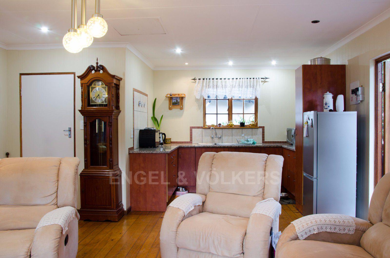 Constantia Park property for sale. Ref No: 13401985. Picture no 16