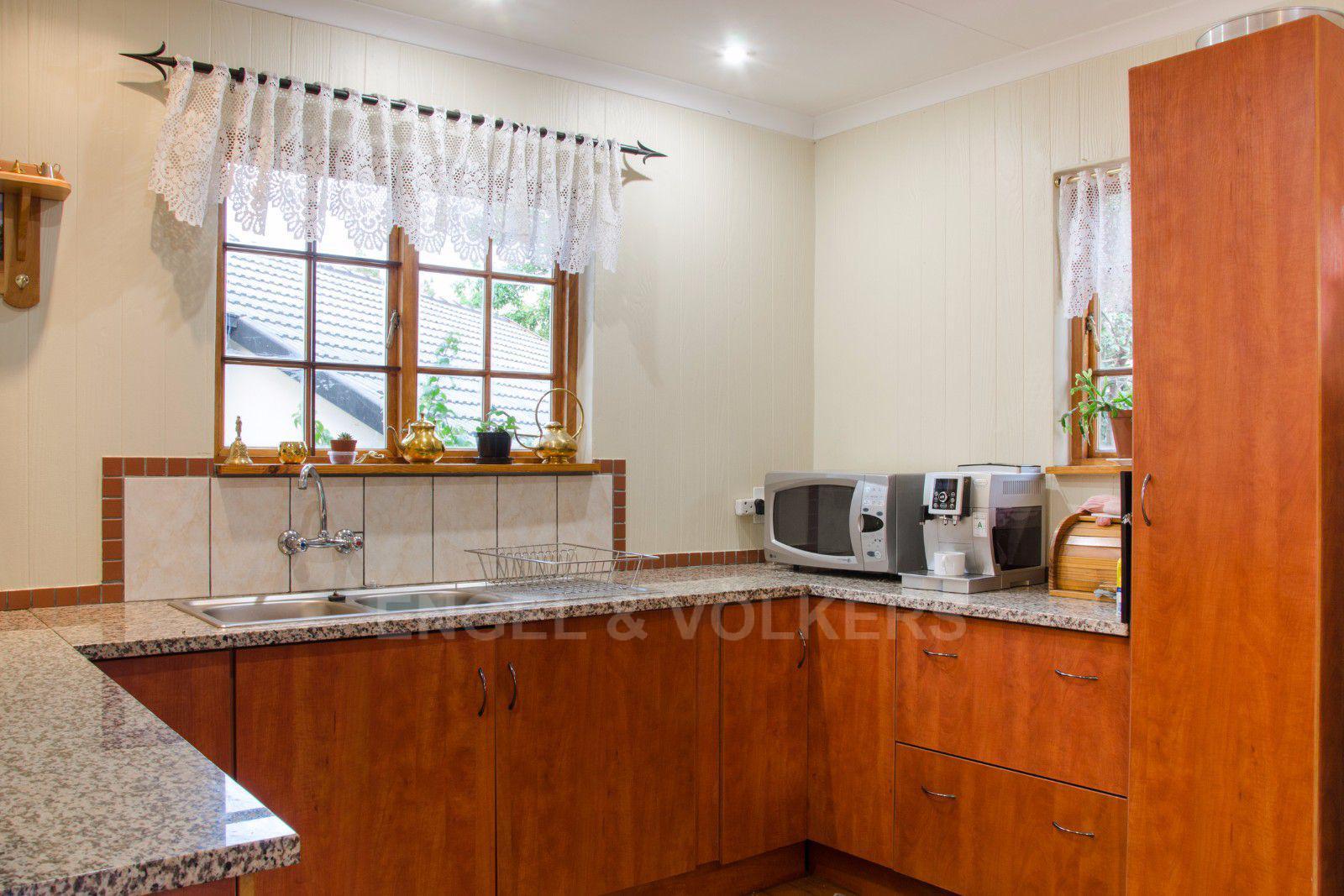 Constantia Park property for sale. Ref No: 13401985. Picture no 18