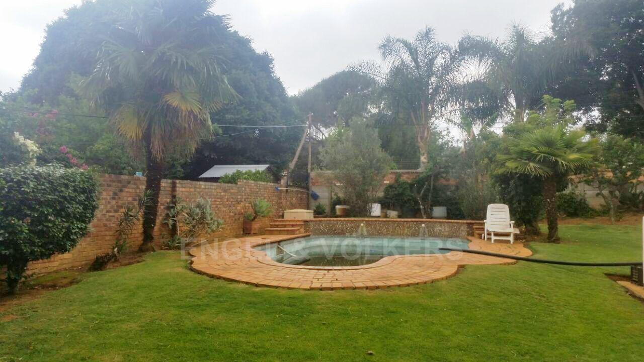 Waterkloof Ridge property for sale. Ref No: 13413569. Picture no 4