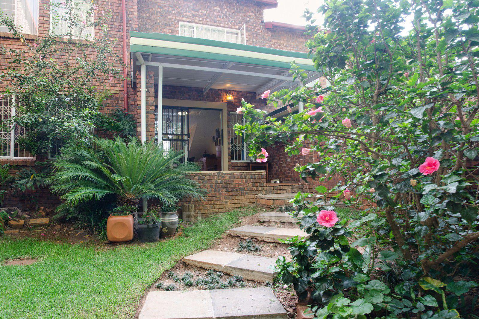 Pretoria, Constantia Park Property  | Houses For Sale Constantia Park, CONSTANTIA PARK, Duplex 4 bedrooms property for sale Price:1,300,000