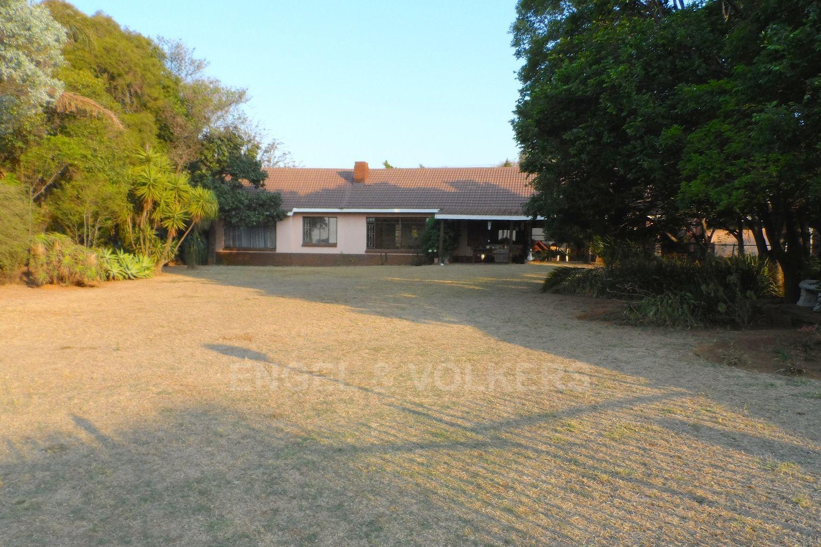 Waterkloof Ridge property for sale. Ref No: 13469252. Picture no 1