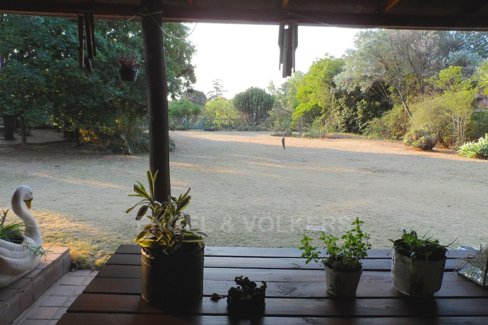 Waterkloof Ridge property for sale. Ref No: 13469252. Picture no 4