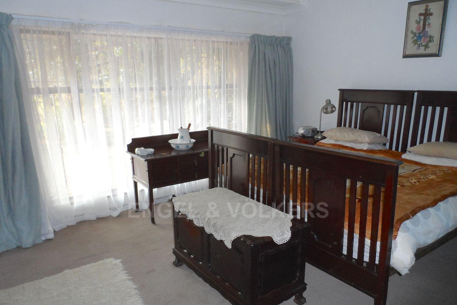 Waterkloof Ridge property for sale. Ref No: 13469252. Picture no 11