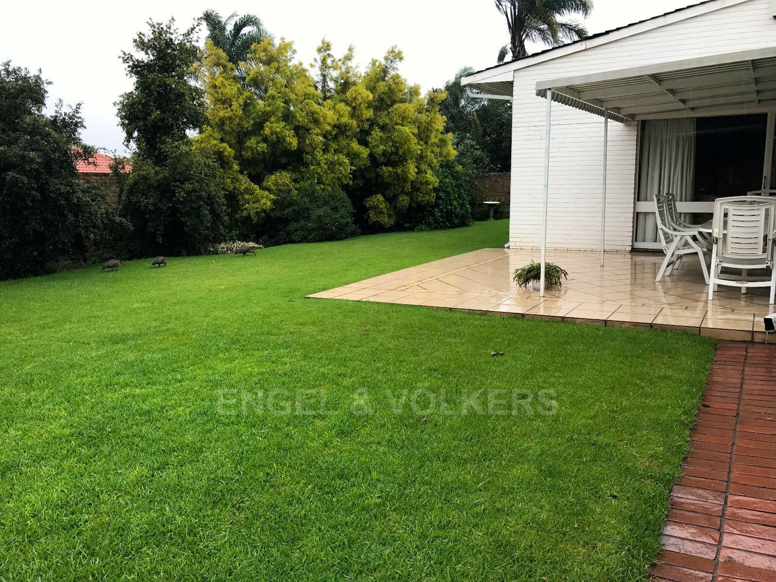 Waterkloof Ridge property for sale. Ref No: 13456733. Picture no 2
