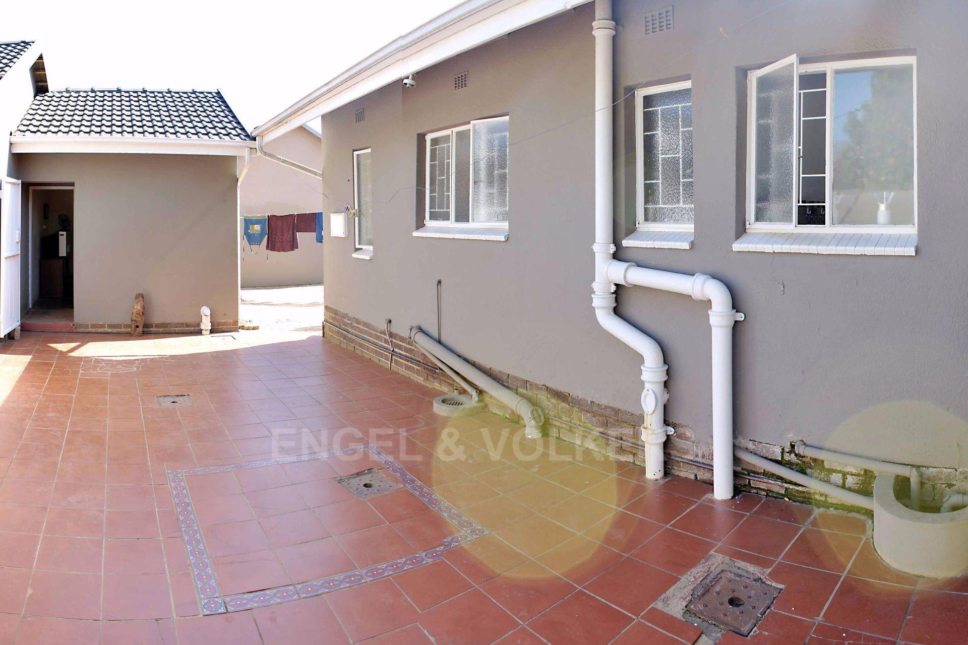 Waterkloof Ridge property for sale. Ref No: 13488804. Picture no 3
