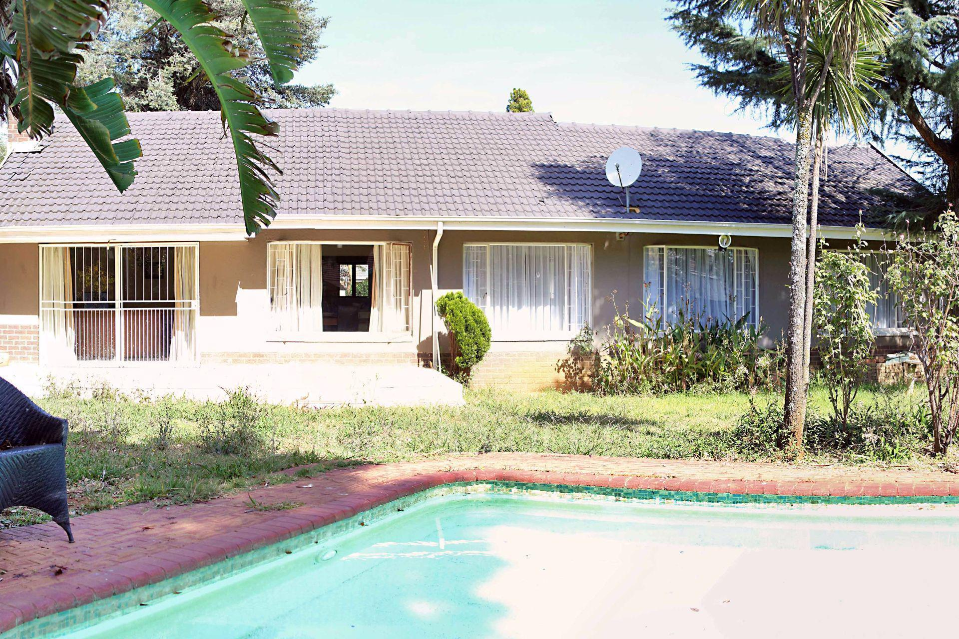 Waterkloof Ridge property for sale. Ref No: 13488804. Picture no 4