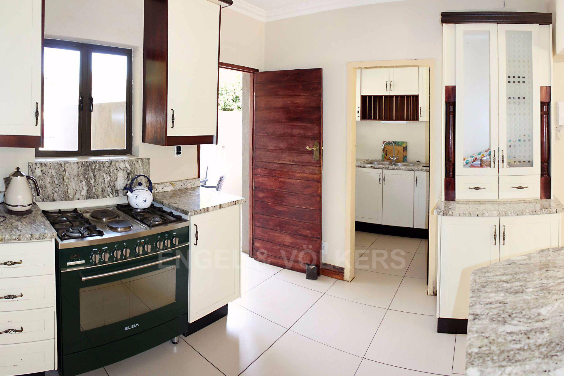 Waterkloof Ridge property for sale. Ref No: 13488804. Picture no 9