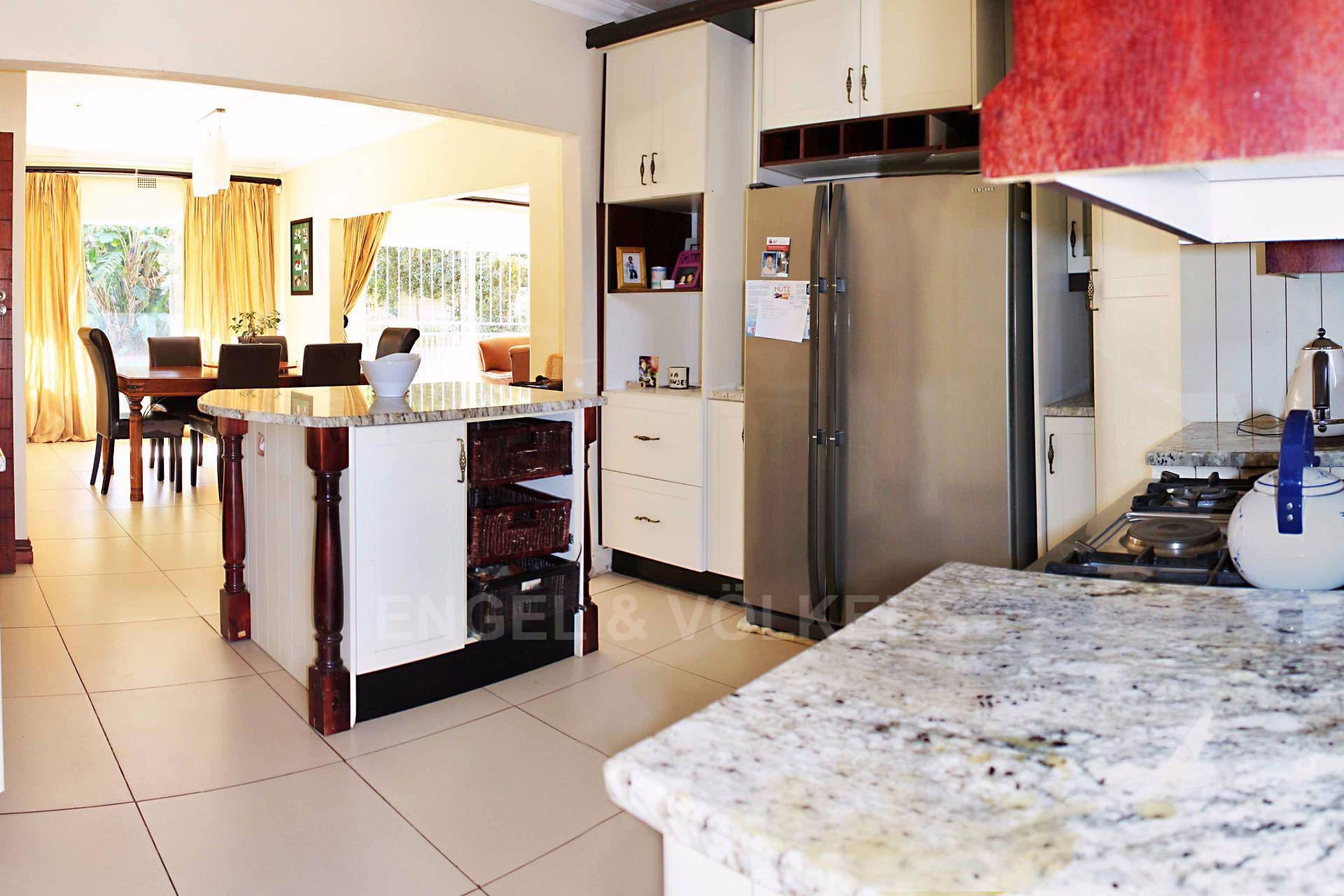 Waterkloof Ridge property for sale. Ref No: 13488804. Picture no 10